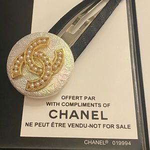 Rare and Fabulous Hair Clip from Chanel Vip